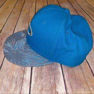 Oakley Accessories - Oakley Mens Blue baseball hat one size SnapBack